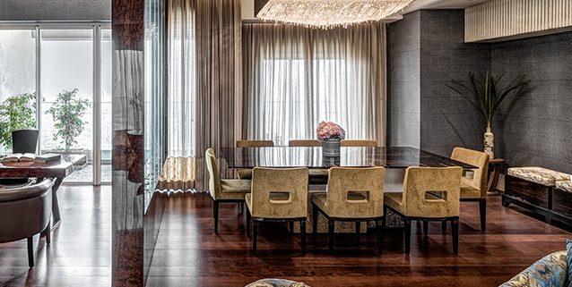 与ZZ architects合作。孟买公寓, Manooi Crystal Chandeliers